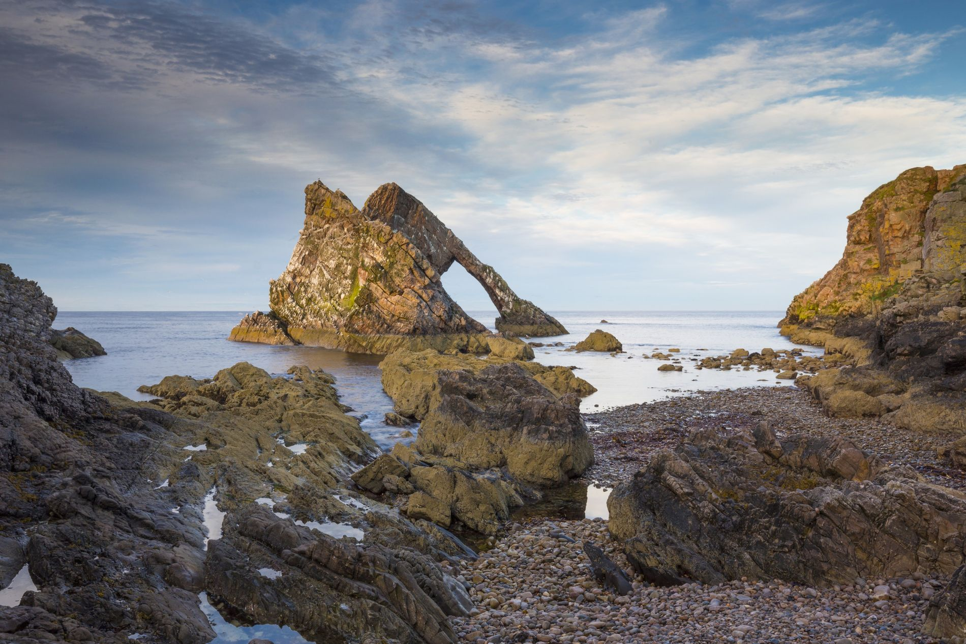 Bow Fiddle Rock, nabij Inverness.