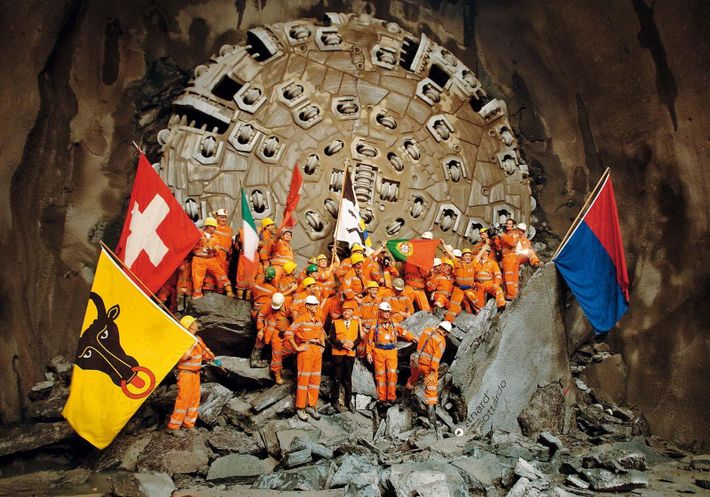 Het begin van de bouw van de tunnel in 1999.